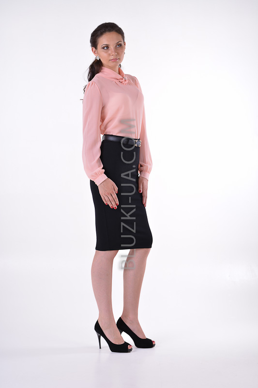Персиковая блузка